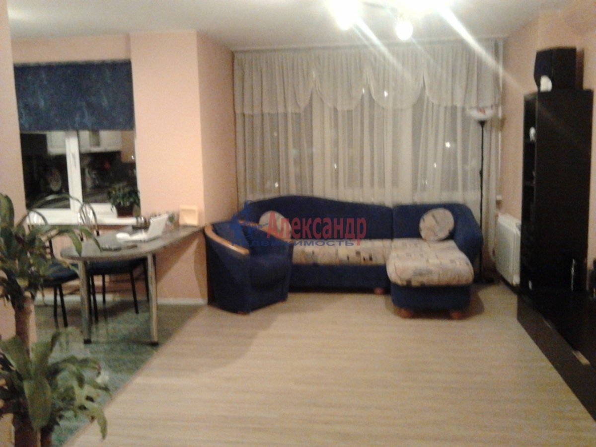 3-комнатная квартира (68м2) в аренду по адресу Наличная ул., 36— фото 9 из 10