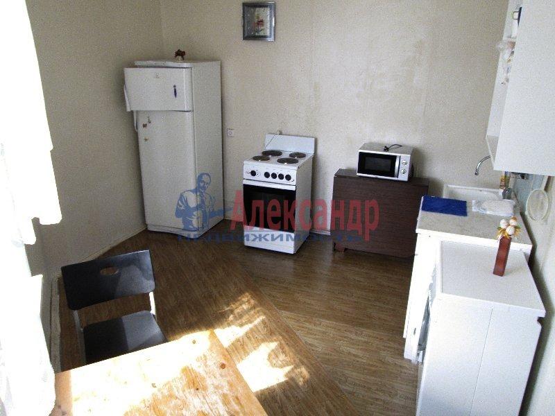 1-комнатная квартира (35м2) в аренду по адресу Камышовая ул., 6— фото 1 из 3