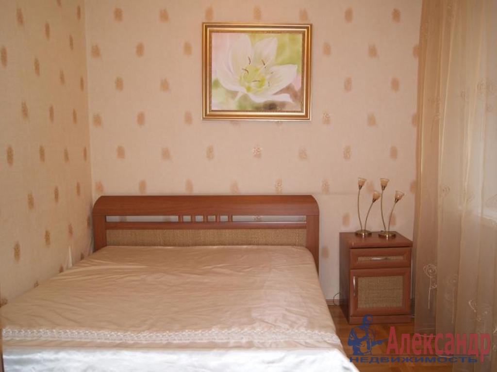 2-комнатная квартира (42м2) в аренду по адресу Новаторов бул., 29— фото 2 из 3