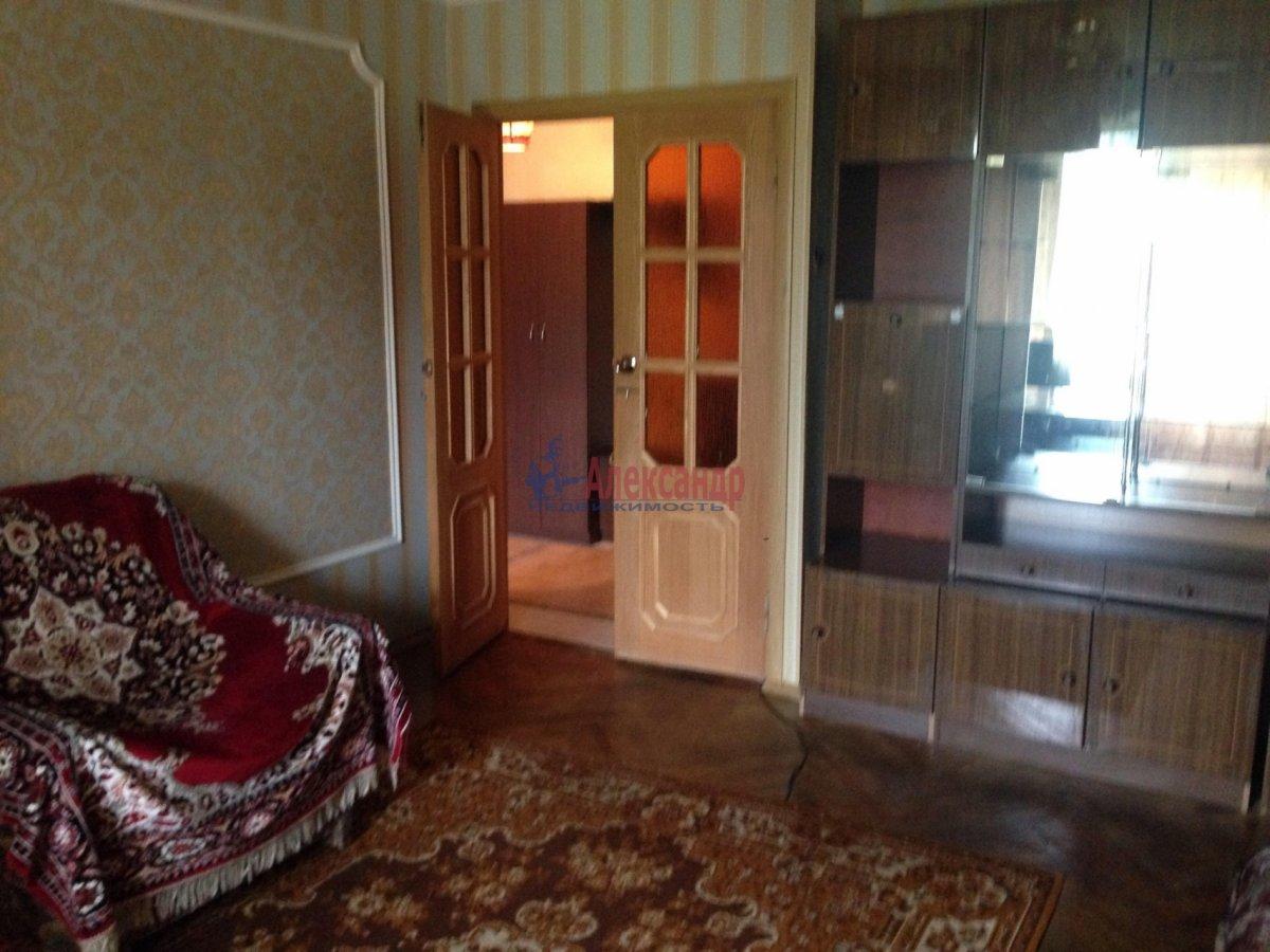 3-комнатная квартира (72м2) в аренду по адресу Долгоозерная ул., 5— фото 3 из 14