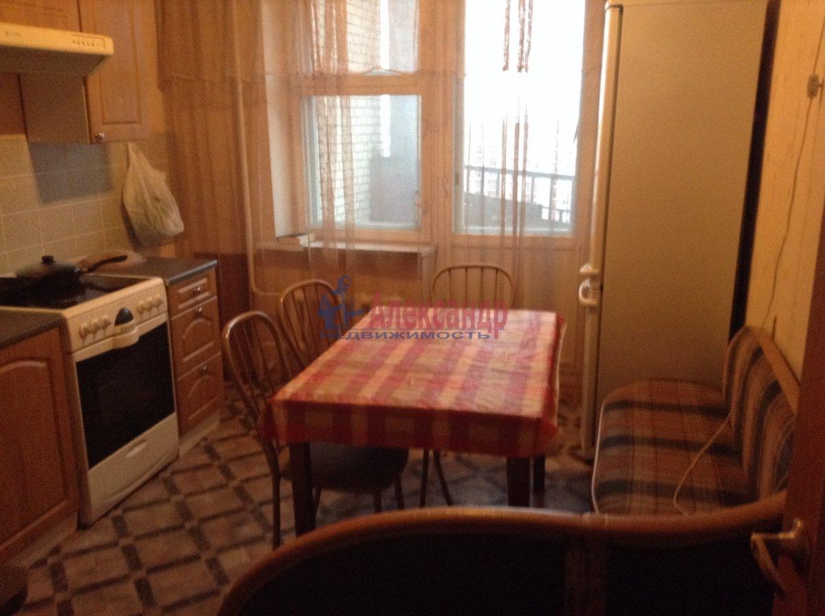 2-комнатная квартира (62м2) в аренду по адресу Савушкина ул., 138— фото 2 из 9