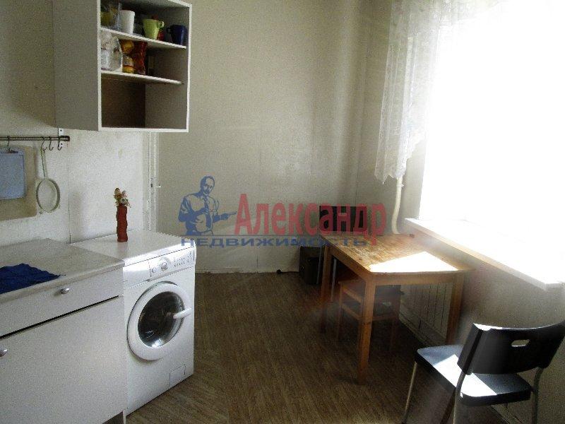 1-комнатная квартира (35м2) в аренду по адресу Камышовая ул., 6— фото 2 из 3