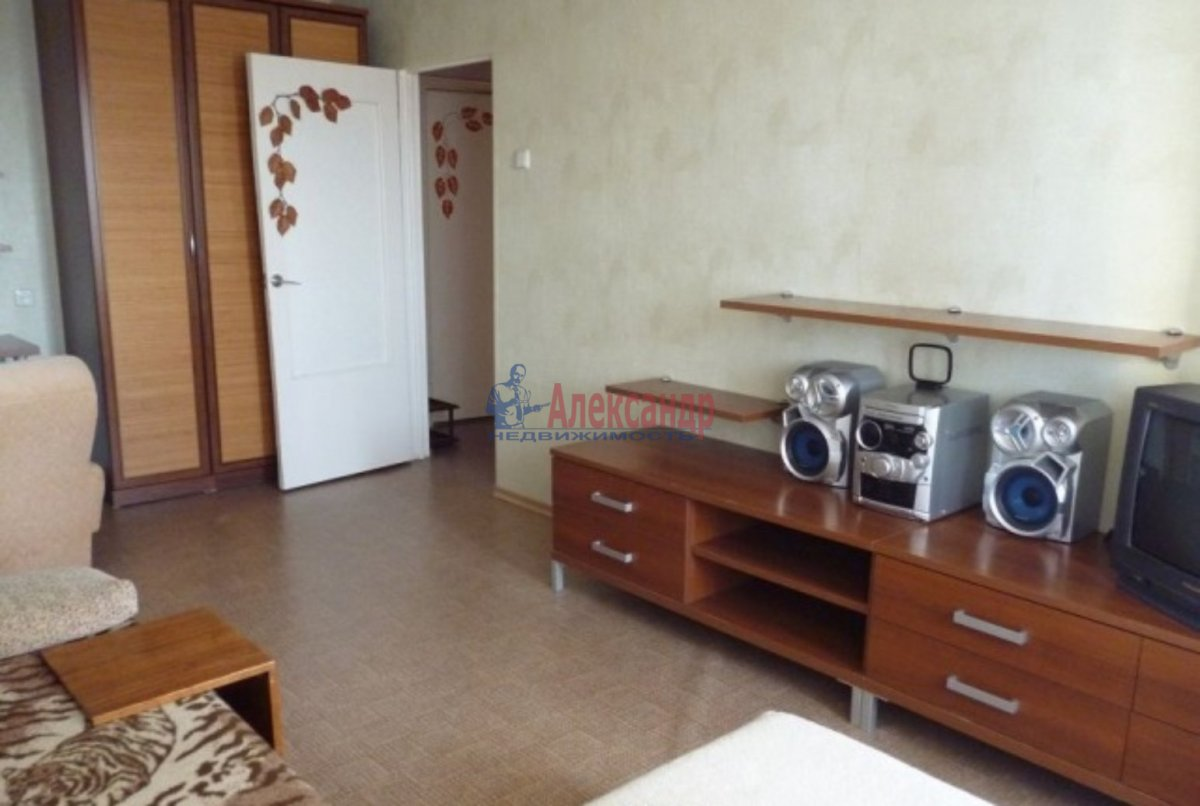 1-комнатная квартира (42м2) в аренду по адресу Богатырский пр., 5— фото 2 из 3