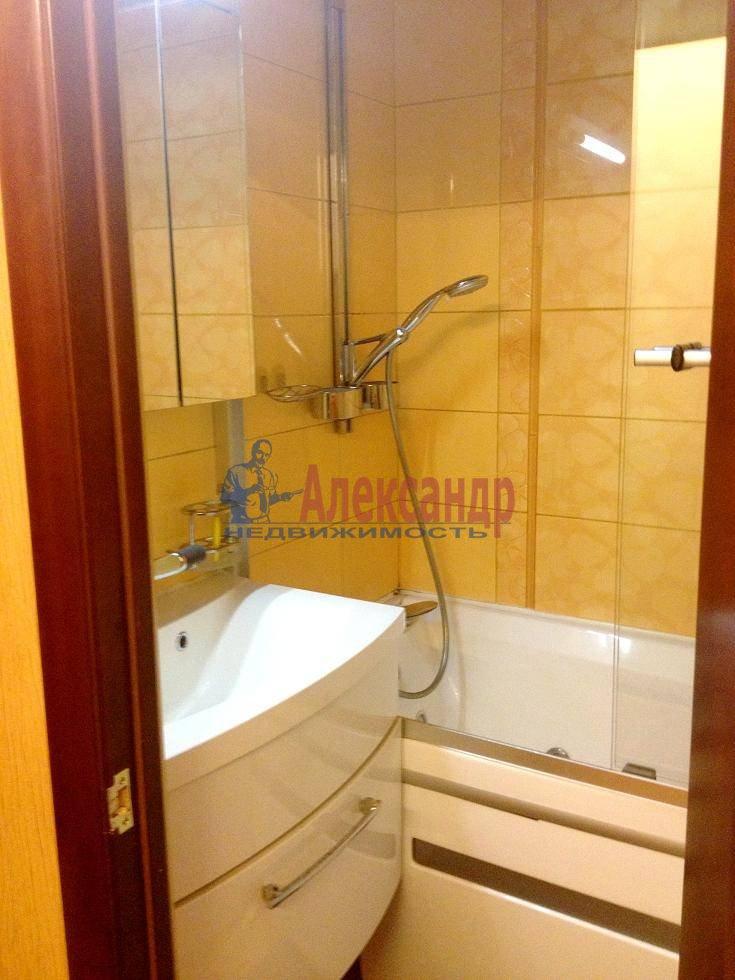 2-комнатная квартира (60м2) в аренду по адресу Испытателей пр., 6— фото 5 из 16