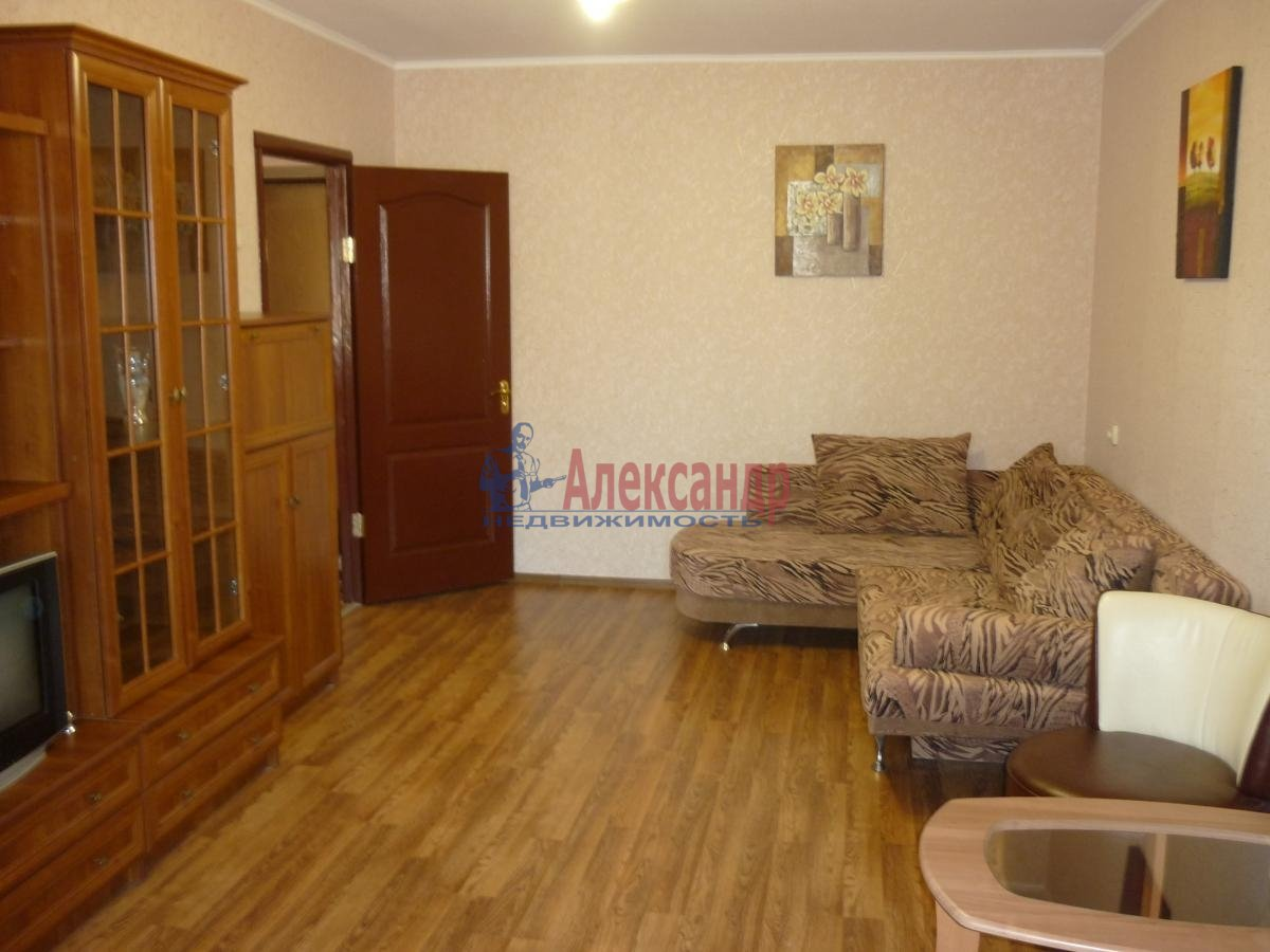 3-комнатная квартира (90м2) в аренду по адресу Гжатская ул., 22— фото 2 из 3