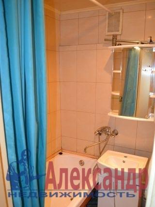 2-комнатная квартира (51м2) в аренду по адресу Бухарестская ул., 21— фото 3 из 3