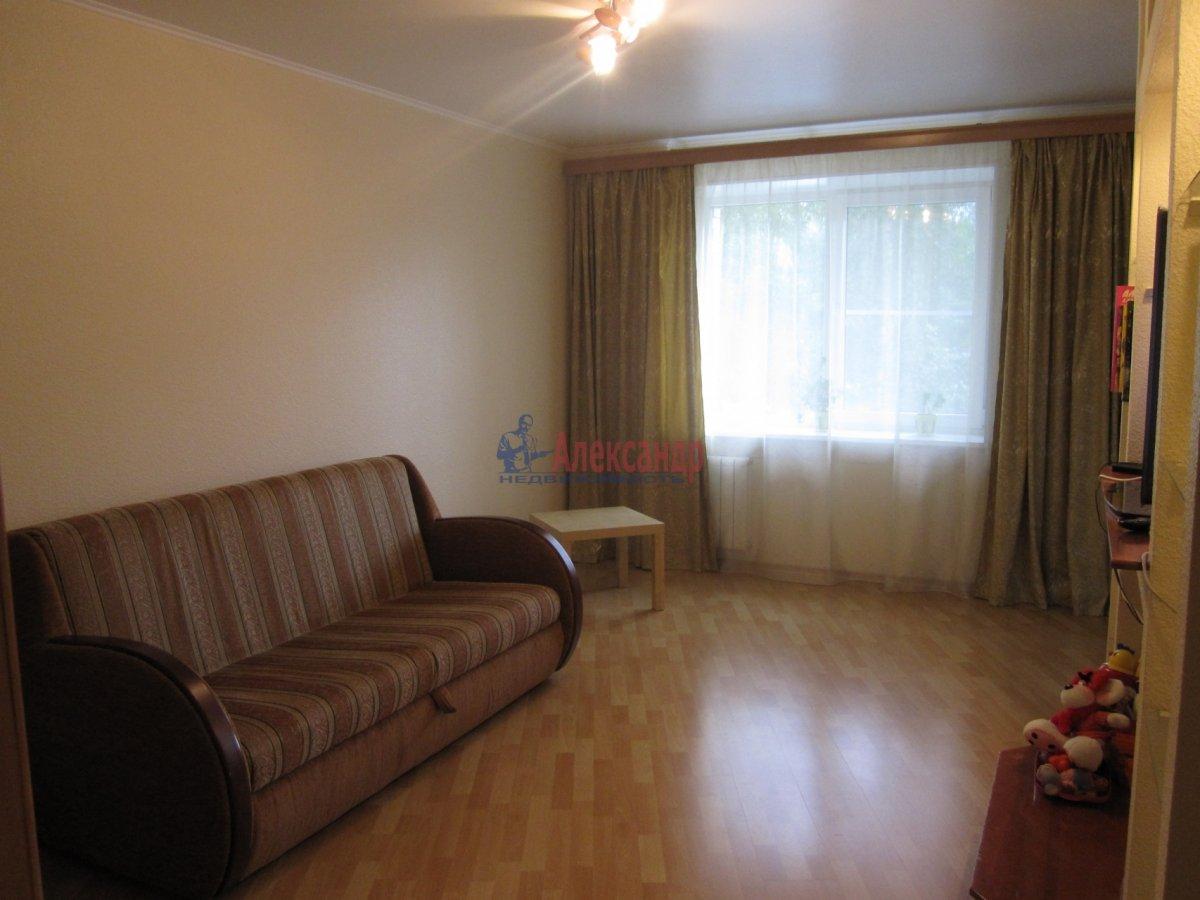 1-комнатная квартира (35м2) в аренду по адресу Тамбасова ул., 15— фото 2 из 5