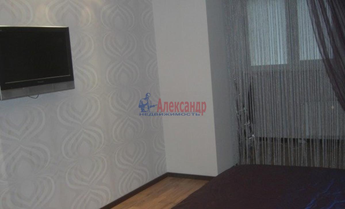 1-комнатная квартира (58м2) в аренду по адресу Коломяжский пр., 28— фото 3 из 6