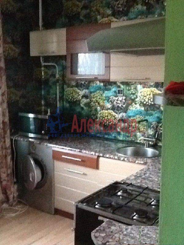 1-комнатная квартира (40м2) в аренду по адресу Стародеревенская ул., 21— фото 2 из 3
