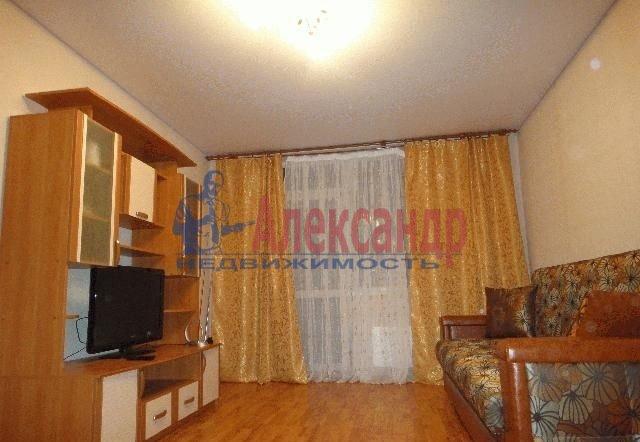 Комната в 2-комнатной квартире (54м2) в аренду по адресу Карбышева ул., 10— фото 1 из 3