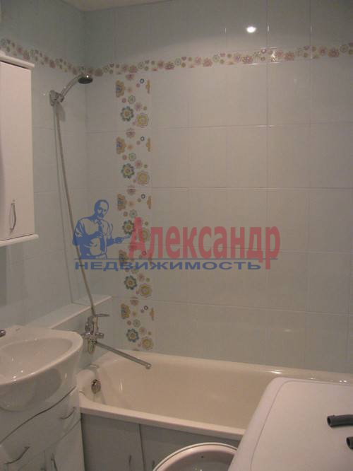 1-комнатная квартира (39м2) в аренду по адресу Испытателей пр., 8— фото 2 из 8