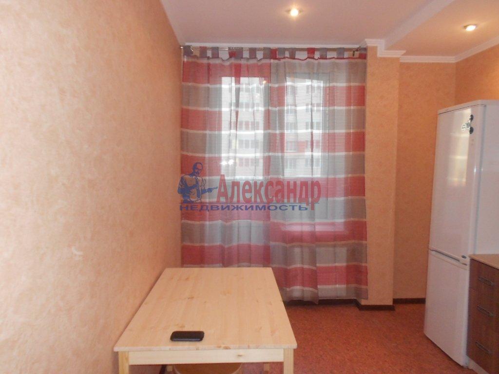 1-комнатная квартира (33м2) в аренду по адресу Композиторов ул., 4— фото 2 из 3