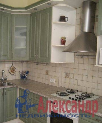 2-комнатная квартира (74м2) в аренду по адресу Средний В.О. пр., 35— фото 3 из 3