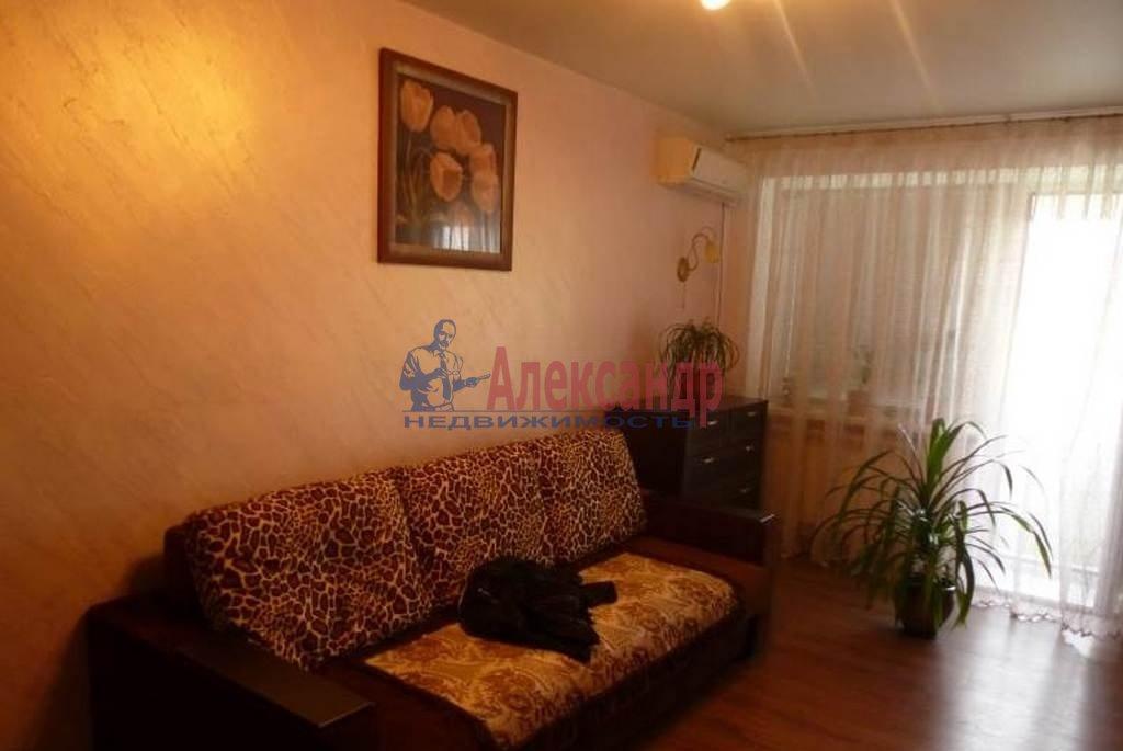 2-комнатная квартира (39м2) в аренду по адресу Кузнецова пр., 17— фото 1 из 5
