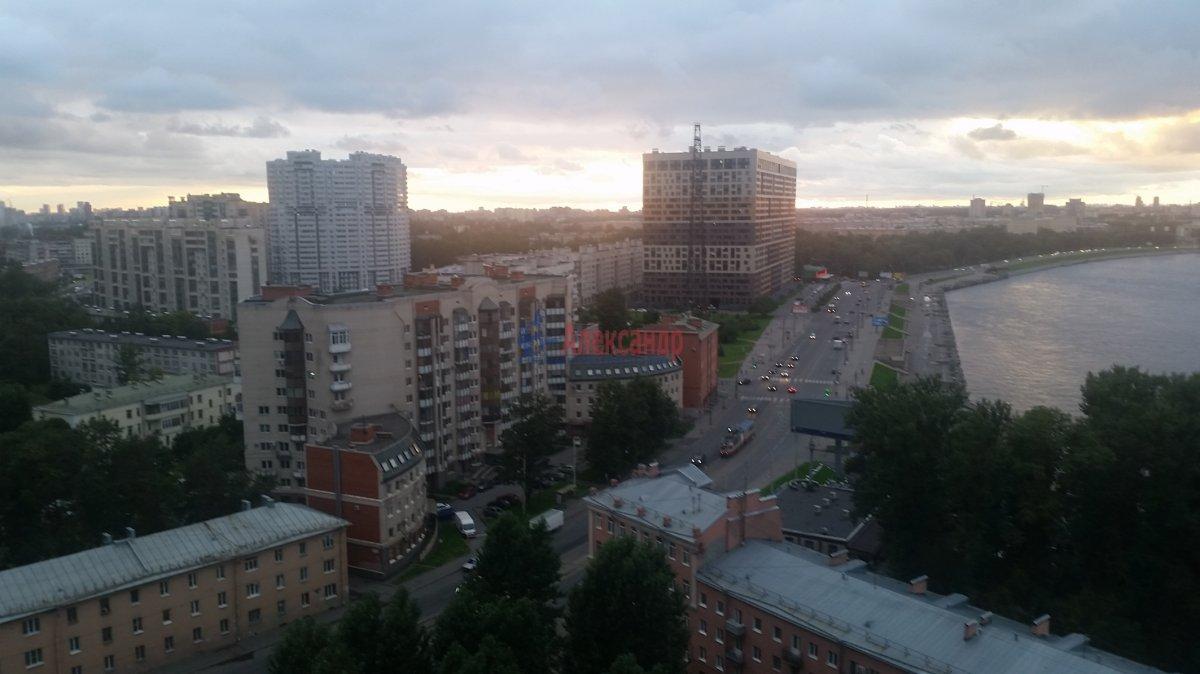 2-комнатная квартира (59м2) в аренду по адресу Обуховской Обороны пр., 110— фото 15 из 18