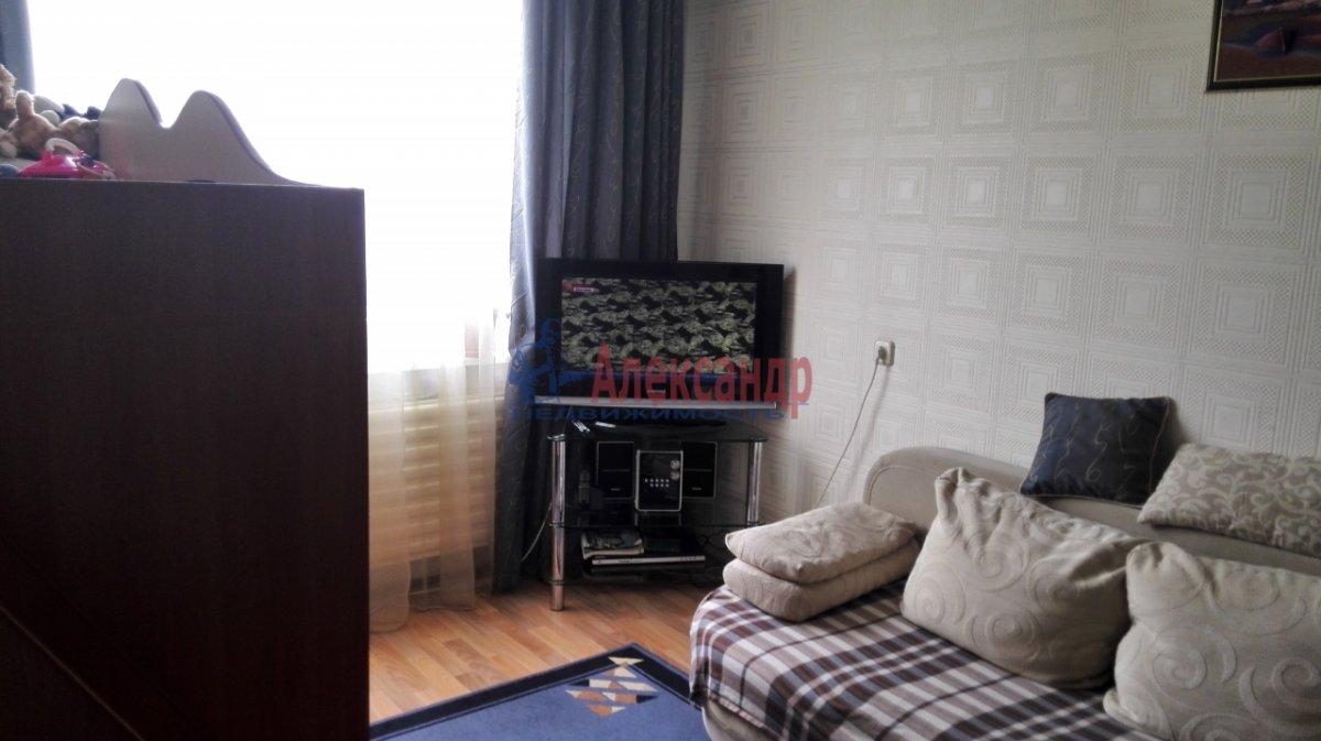 1-комнатная квартира (30м2) в аренду по адресу Купчинская ул., 17— фото 2 из 5