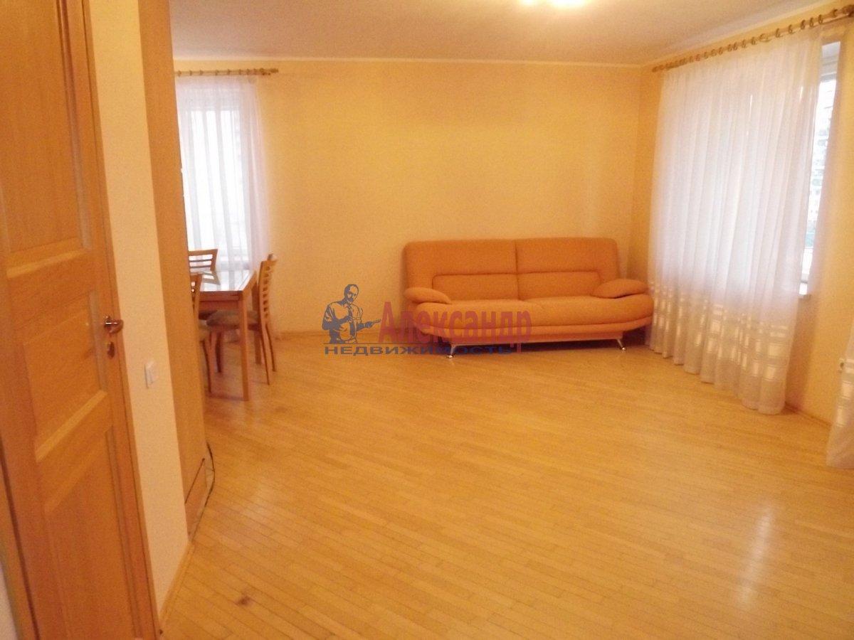 2-комнатная квартира (89м2) в аренду по адресу Богатырский пр., 8— фото 3 из 10