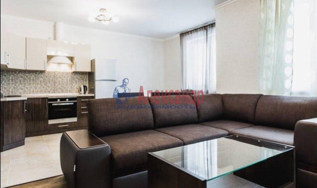 3-комнатная квартира (88м2) в аренду по адресу Богатырский пр., 55— фото 1 из 4