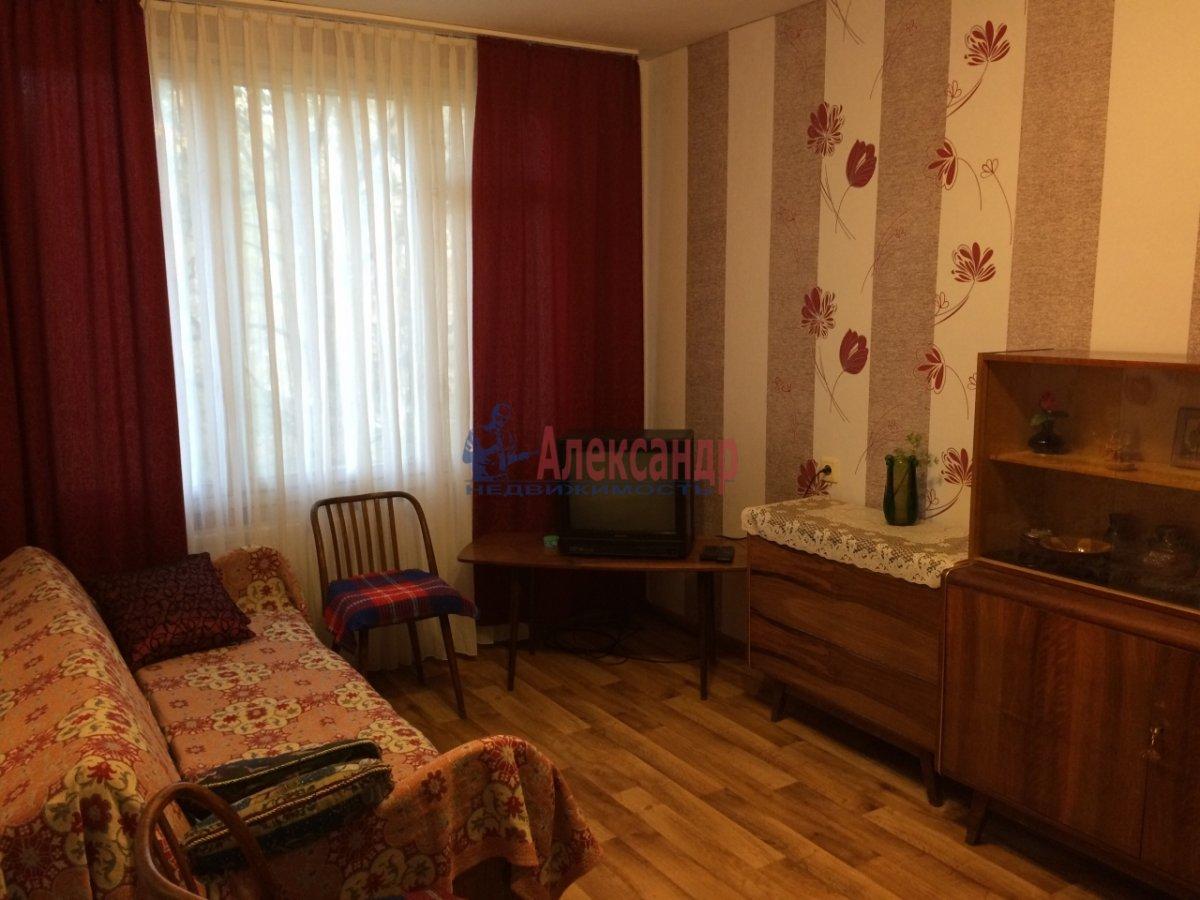 1-комнатная квартира (33м2) в аренду по адресу Композиторов ул., 4— фото 3 из 3