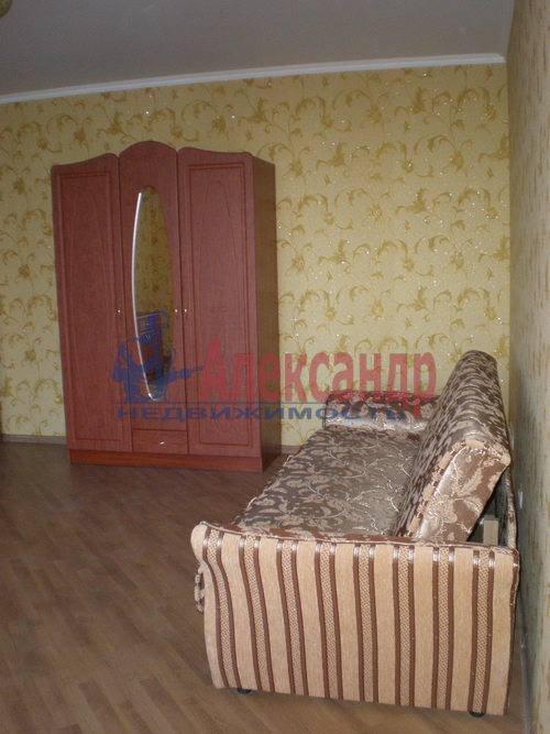 3-комнатная квартира (87м2) в аренду по адресу Туристская ул., 36— фото 1 из 8