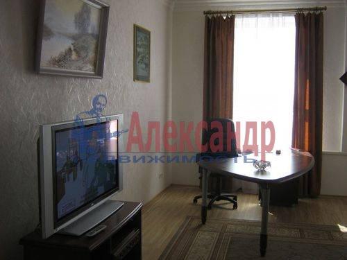 2-комнатная квартира (70м2) в аренду по адресу Севастьянова ул., 14— фото 2 из 11