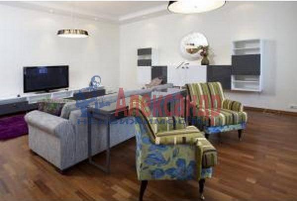 3-комнатная квартира (137м2) в аренду по адресу Кемская ул., 7— фото 1 из 6