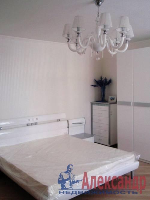 2-комнатная квартира (65м2) в аренду по адресу Савушкина ул., 128— фото 1 из 4