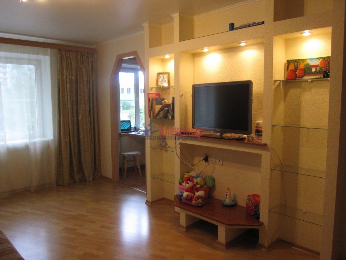 1-комнатная квартира (35м2) в аренду по адресу Тамбасова ул., 15— фото 1 из 5
