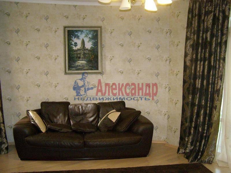 2-комнатная квартира (70м2) в аренду по адресу Шлиссельбургский пр., 24— фото 3 из 6