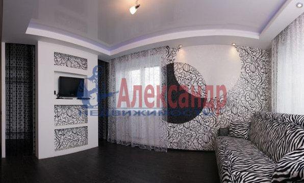 3-комнатная квартира (95м2) в аренду по адресу Просвещения просп., 99— фото 7 из 8
