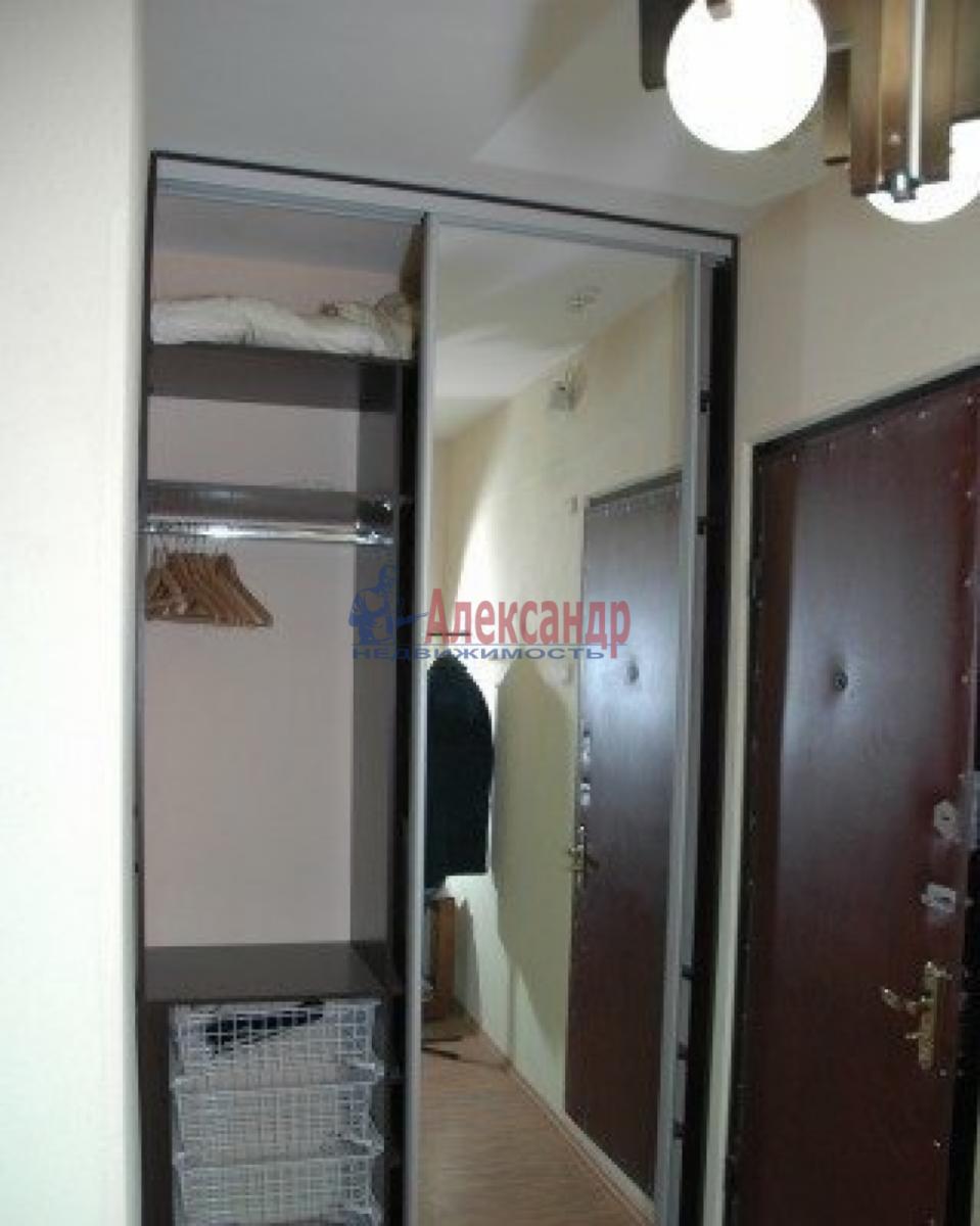 1-комнатная квартира (45м2) в аренду по адресу Обуховской Обороны пр., 110— фото 3 из 6