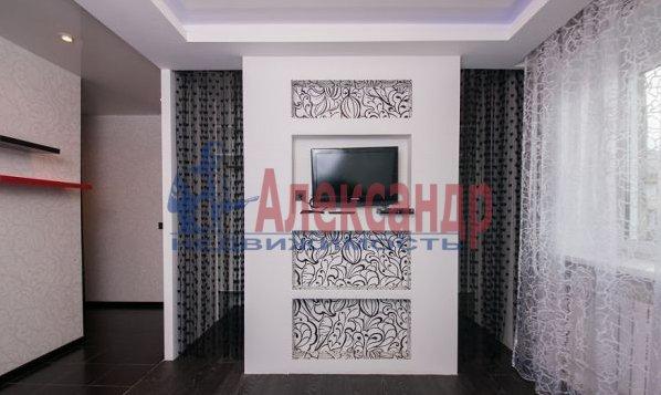 3-комнатная квартира (95м2) в аренду по адресу Просвещения просп., 99— фото 6 из 8
