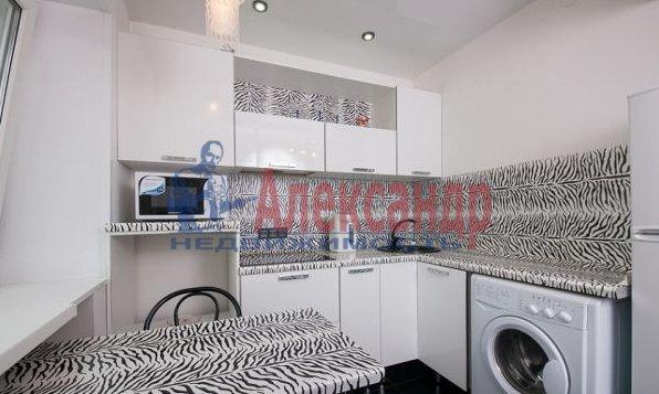 3-комнатная квартира (95м2) в аренду по адресу Просвещения просп., 99— фото 3 из 8