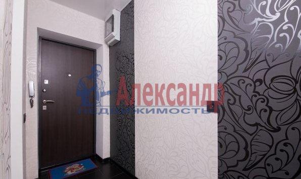 3-комнатная квартира (95м2) в аренду по адресу Просвещения просп., 99— фото 2 из 8