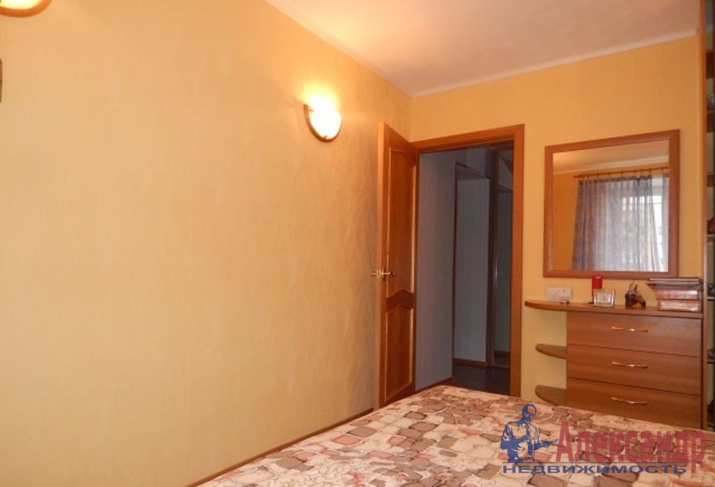 2-комнатная квартира (69м2) в аренду по адресу Дунайский пр., 23— фото 3 из 3