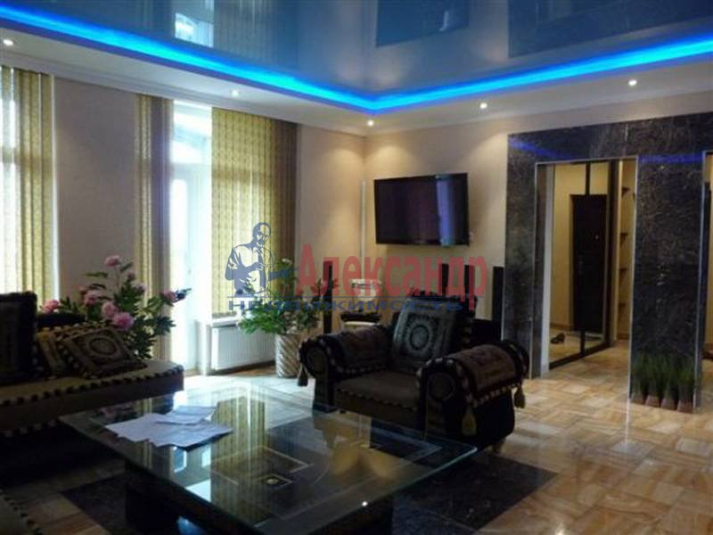 3-комнатная квартира (105м2) в аренду по адресу Петровская наб.— фото 4 из 4