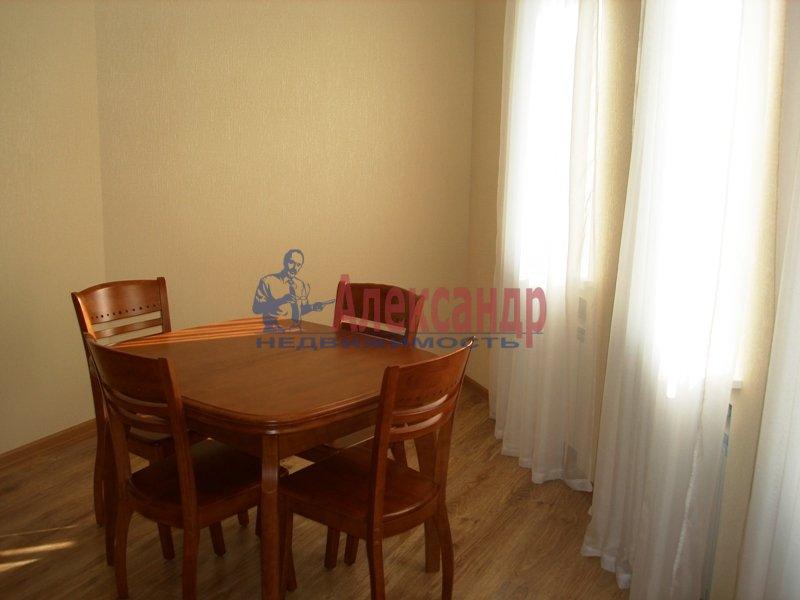 3-комнатная квартира (90м2) в аренду по адресу Выборгское шос., 33— фото 4 из 9