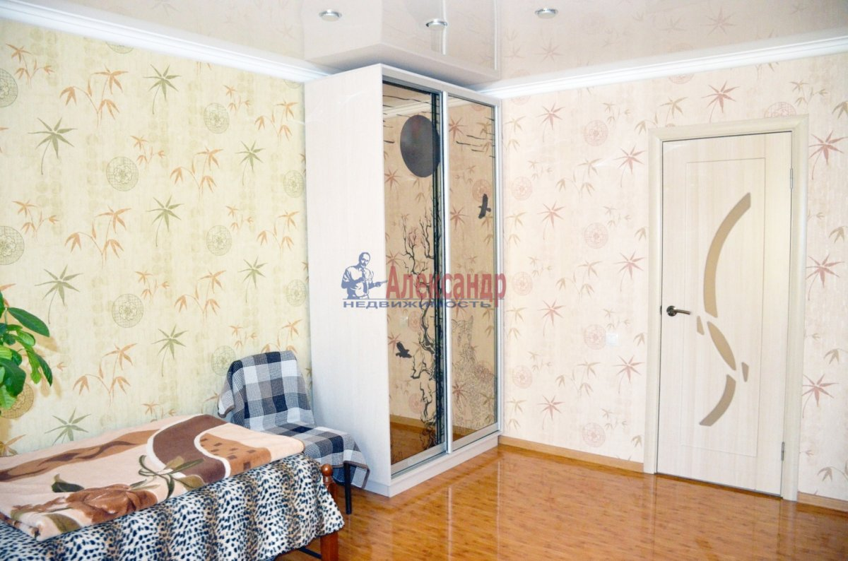 2-комнатная квартира (52м2) в аренду по адресу Маршала Блюхера пр., 49— фото 3 из 7