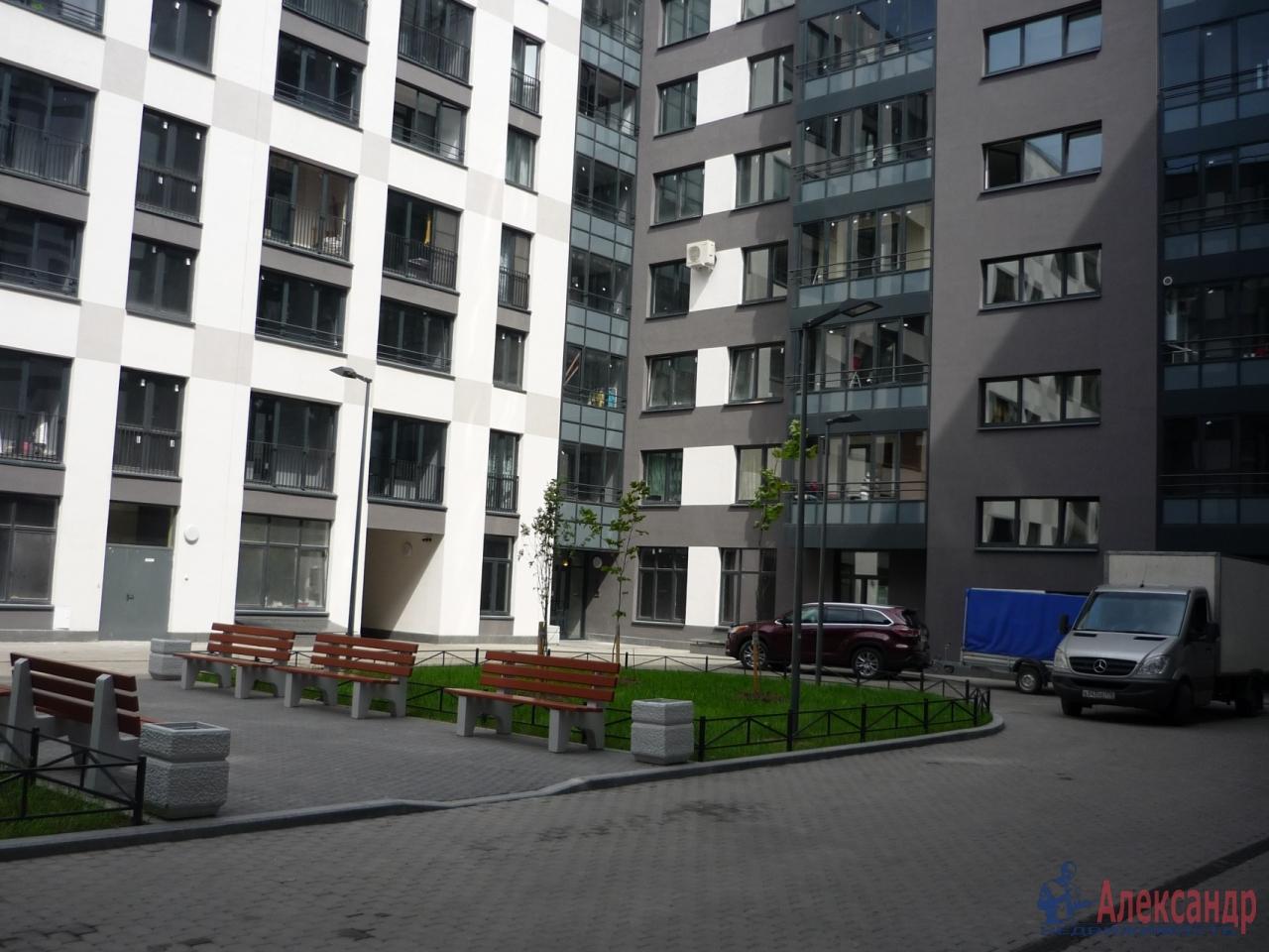 2-комнатная квартира (72м2) в аренду по адресу Кременчугская ул., 9— фото 16 из 17
