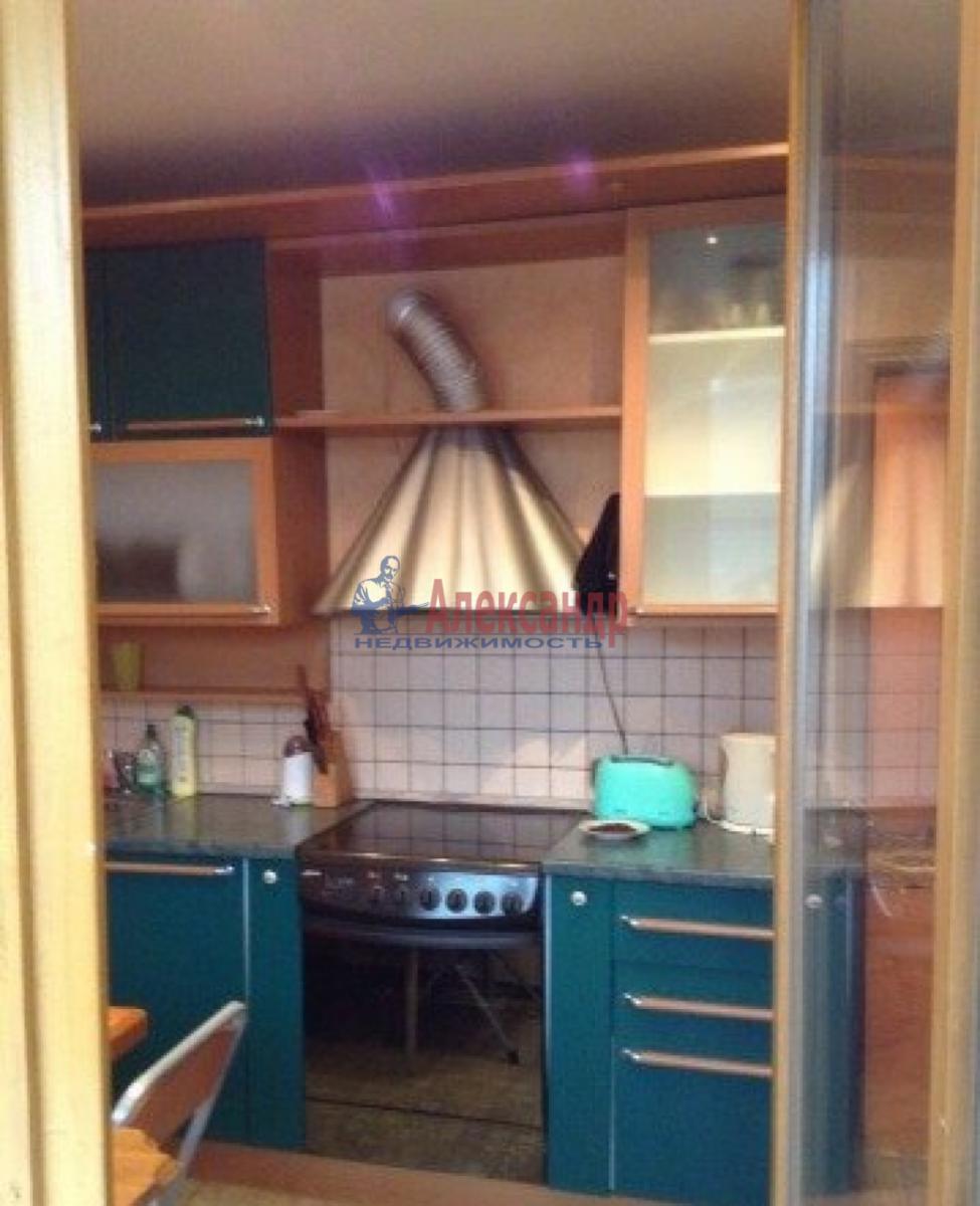 1-комнатная квартира (32м2) в аренду по адресу Народного Ополчения пр., 141— фото 4 из 6