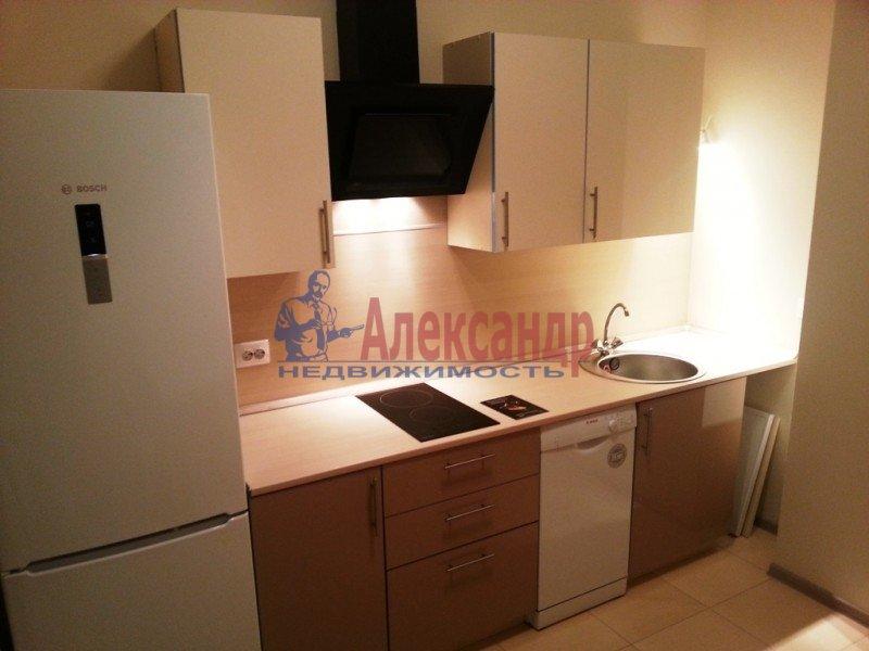 1-комнатная квартира (43м2) в аренду по адресу Народного Ополчения пр., 167— фото 1 из 7