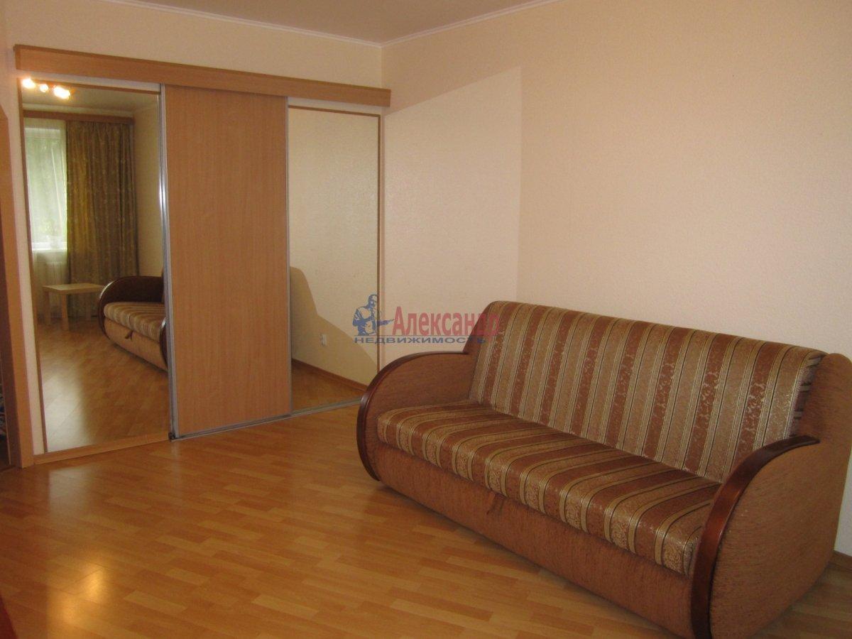 1-комнатная квартира (35м2) в аренду по адресу Тамбасова ул., 15— фото 3 из 5