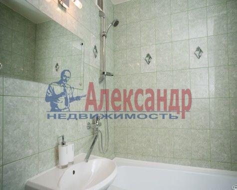 Комната в 3-комнатной квартире (60м2) в аренду по адресу Хлопина ул., 7— фото 3 из 3