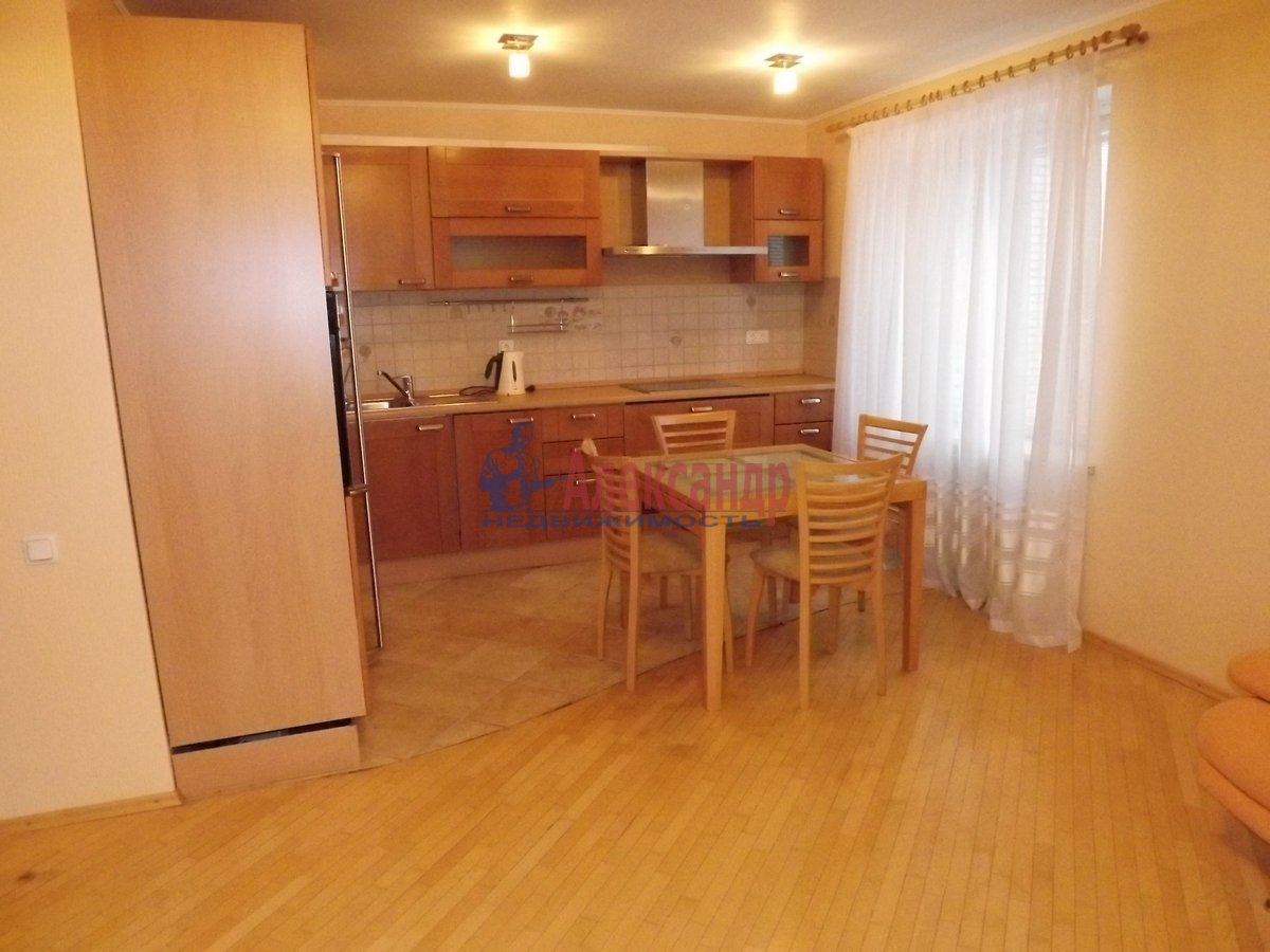 2-комнатная квартира (89м2) в аренду по адресу Богатырский пр., 8— фото 4 из 10