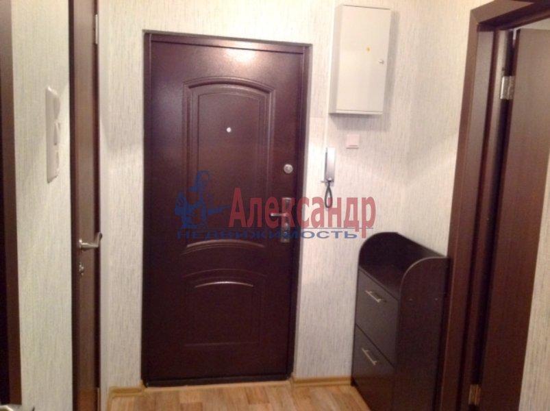1-комнатная квартира (35м2) в аренду по адресу Бадаева ул., 14— фото 1 из 4
