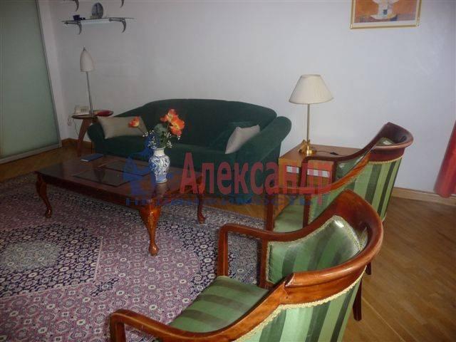 3-комнатная квартира (70м2) в аренду по адресу Фурштатская ул., 11— фото 2 из 9