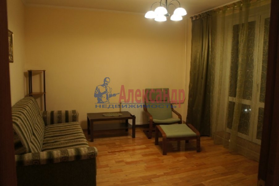 1-комнатная квартира (40м2) в аренду по адресу Доблести ул., 26— фото 2 из 5