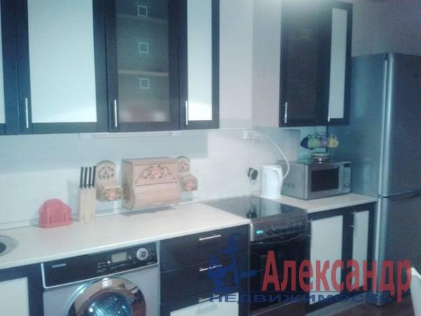 2-комнатная квартира (60м2) в аренду по адресу Хасанская ул., 22— фото 1 из 7