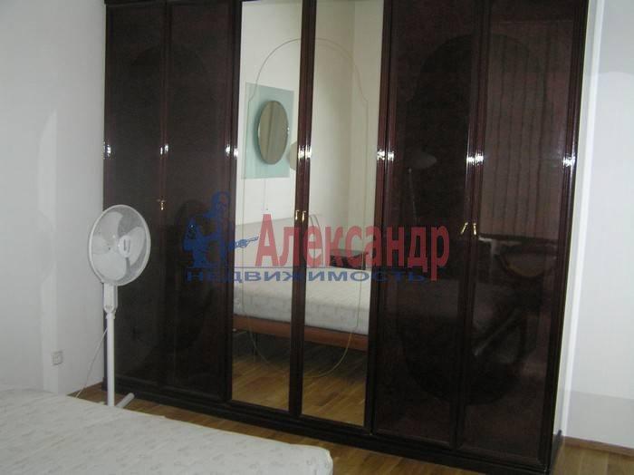 4-комнатная квартира (120м2) в аренду по адресу Конногвардейский бул., 6— фото 8 из 8