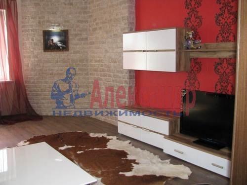 1-комнатная квартира (45м2) в аренду по адресу Кронштадтская ул., 13— фото 4 из 9